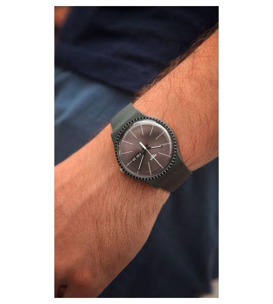 Swatch SUOM709 Armband-Uhr Grey Rails Analog Quarz Silikon-Armband